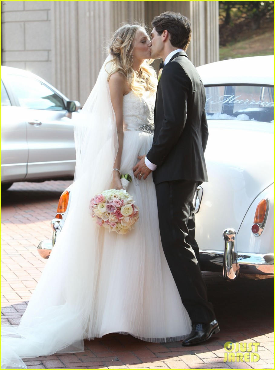 justin gaston weds melissa ordway first wedding pictures 022726561