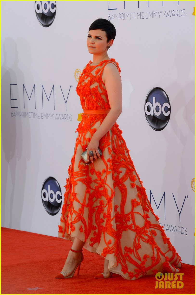 ginnifer goodwin emmy 2012 red carpet 03