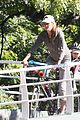 gisele bundchen bikes with benjamin 01