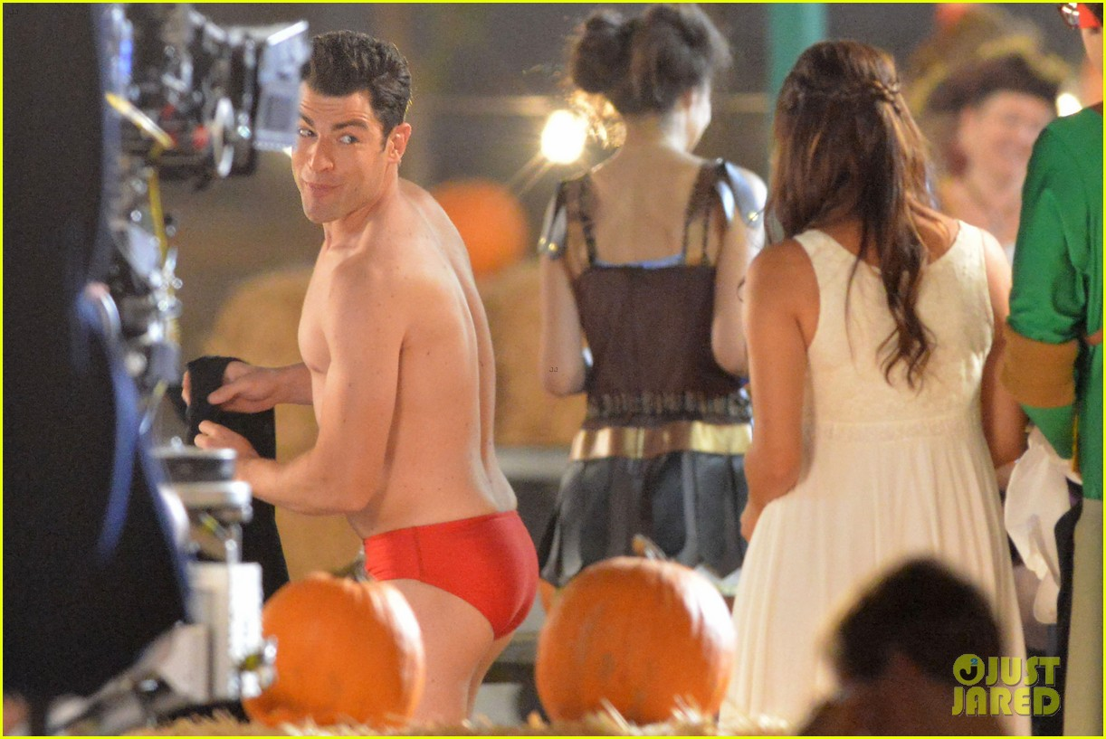 max greenfield shirtless speedo sexy on new girl set 09