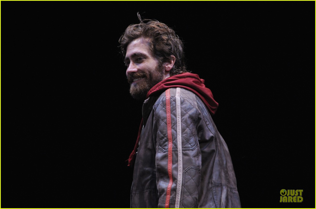 jake gyllenhaal if there is i havent found it 082725643