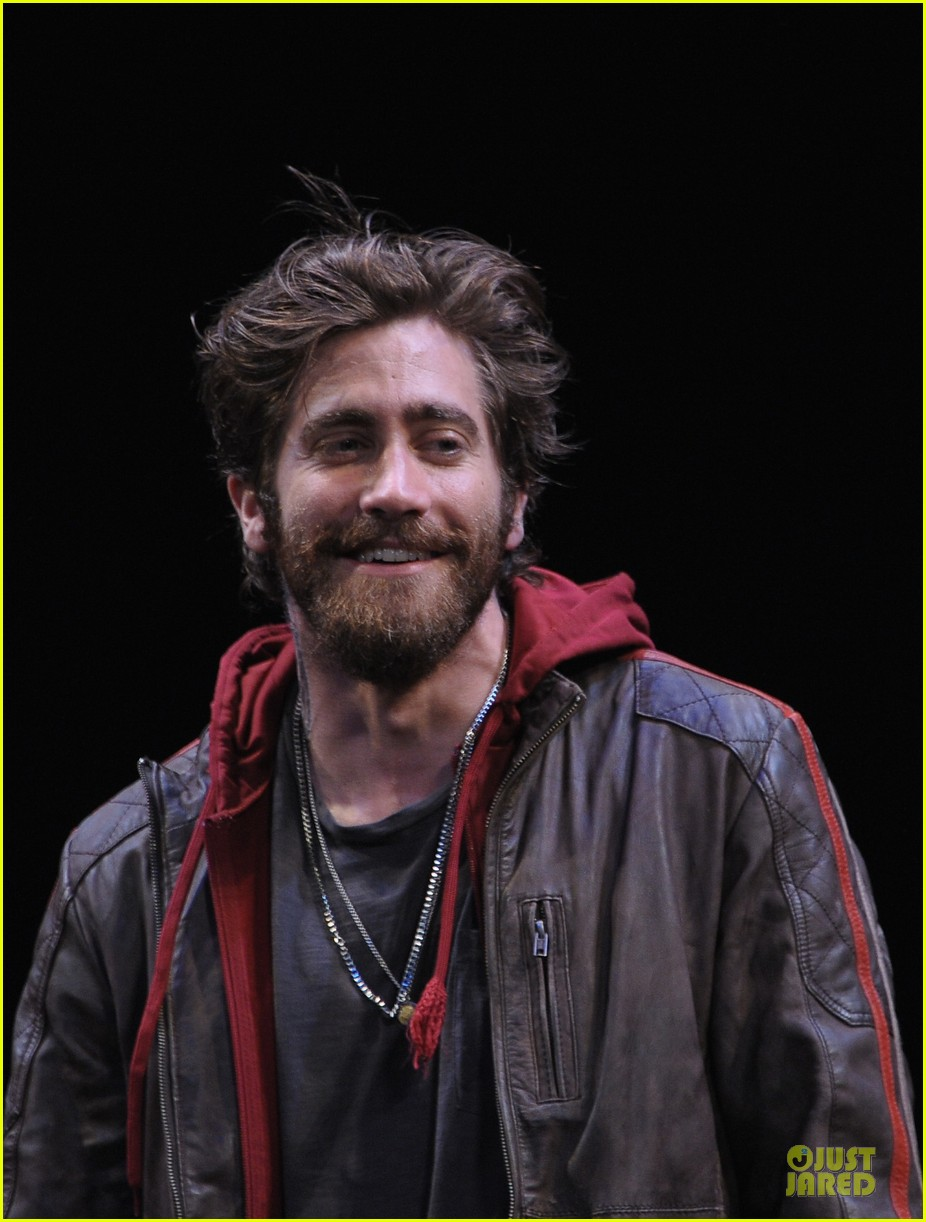 jake gyllenhaal if there is i havent found it 09