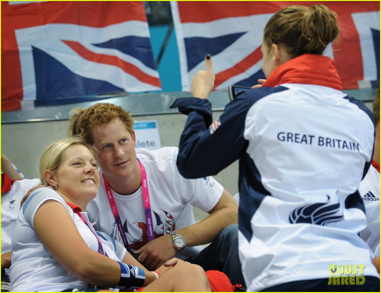 prince harry paralympics swimming spectator 49
