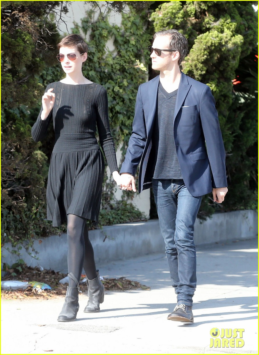 anne hathaway temple services adam shulman 162724123