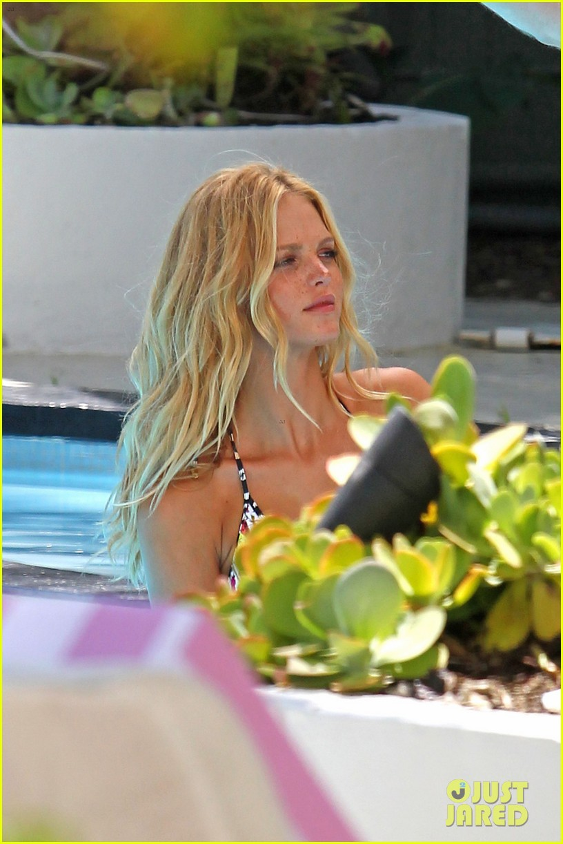 erin heatherton bikini photo shoot for victorias secret 06