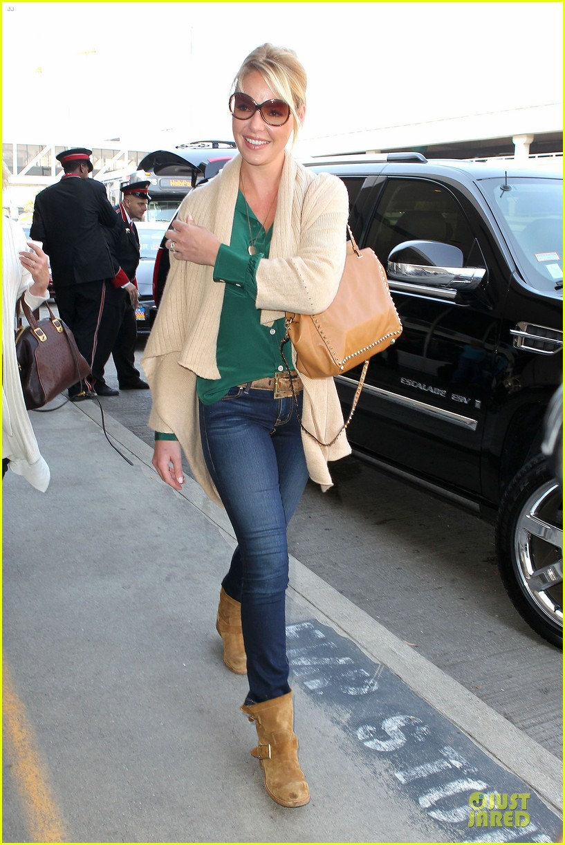 katherine heigl lax departure with mom 06