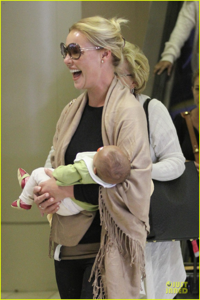 katherine heigl lax departure with mom 28