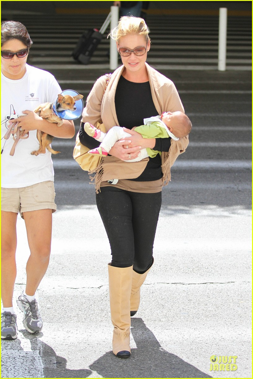 katherine heigl lax departure with mom 33