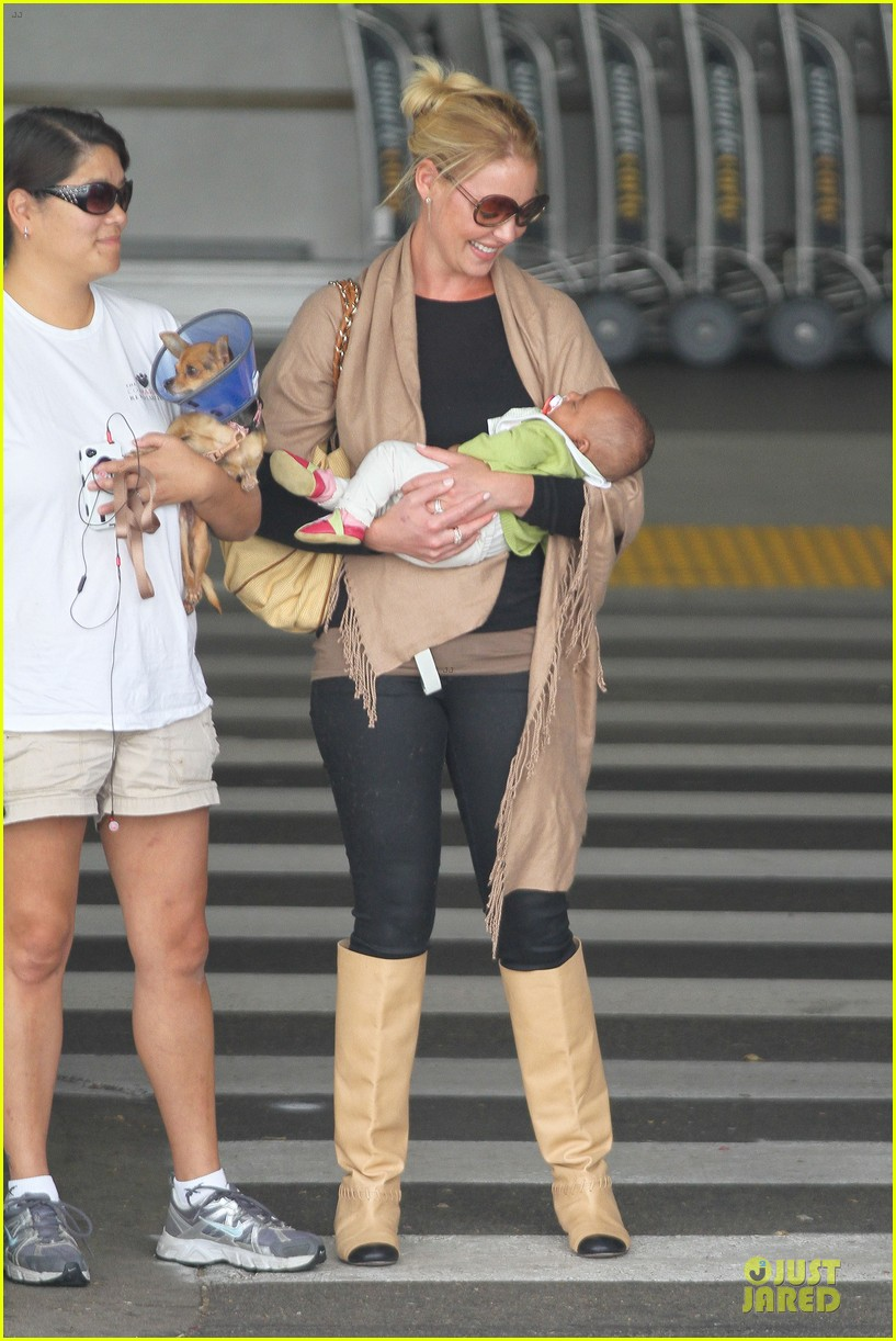 katherine heigl lax departure with mom 35