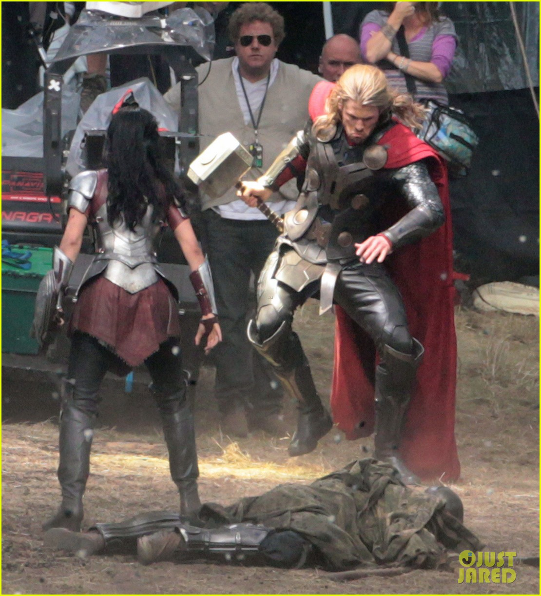 chris hemsworth thor 2 begins filming first set pics 032719372