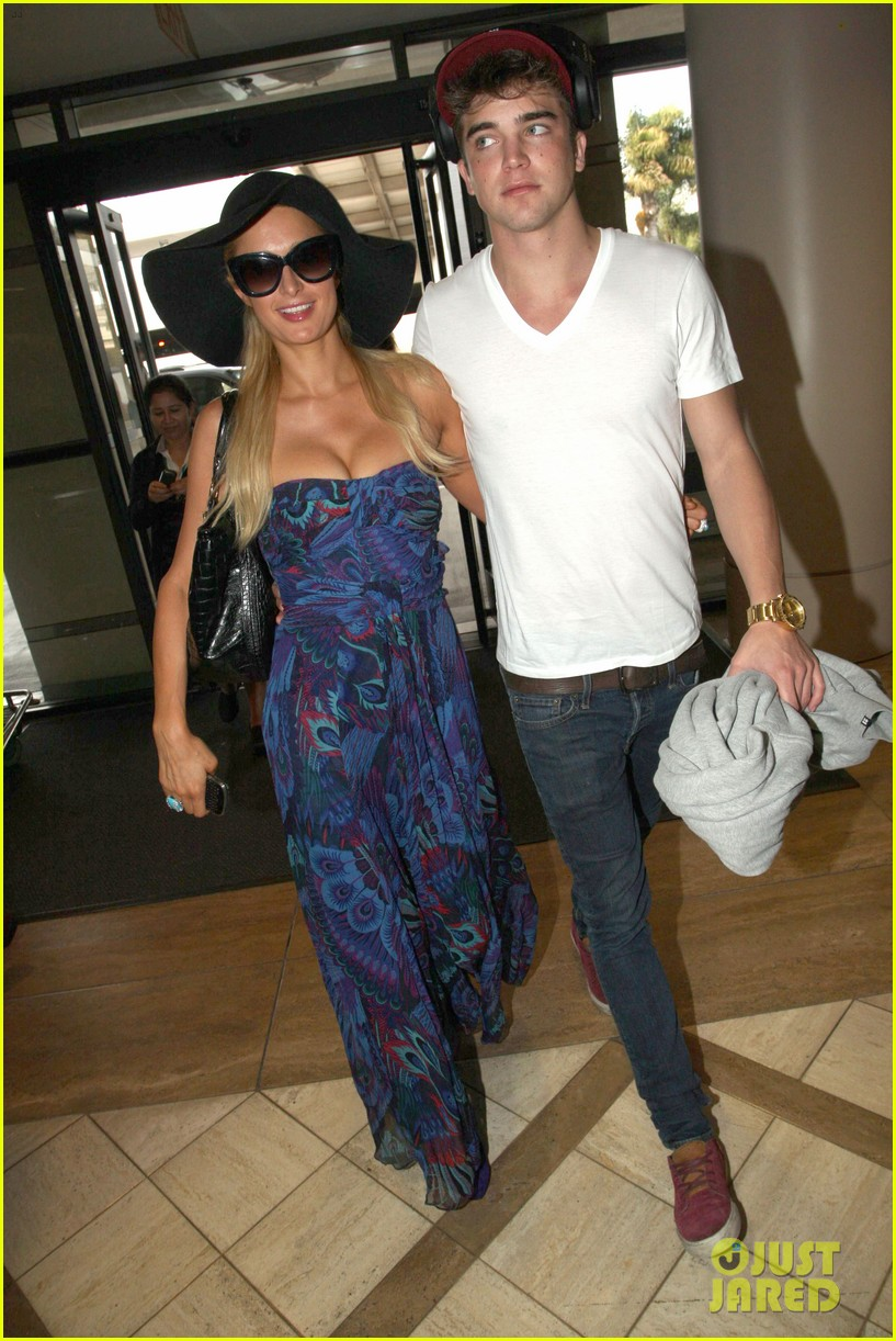 paris hilton river viiperi hawaiian beach vacation 082726819