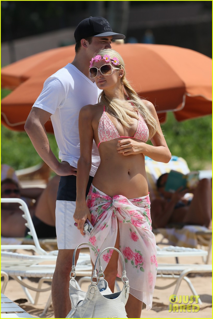 paris hilton river viiperi hawaiian beach vacation 20