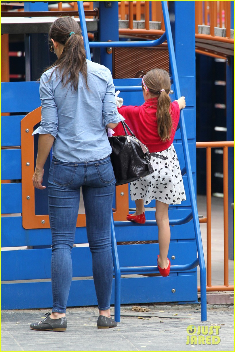 suri cruise katie holmes little red riding hood 24