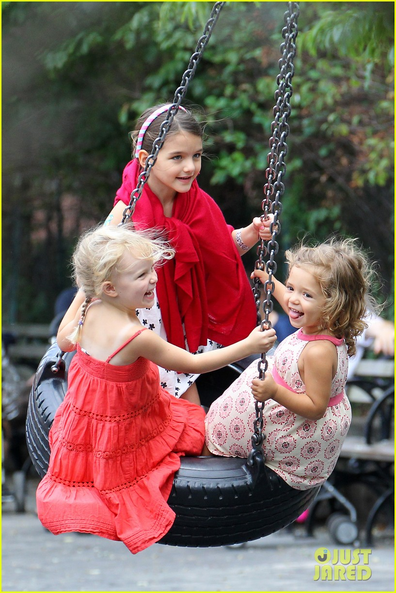 Full Sized Photo of suri cruise katie holmes little red ... Katie Holmes