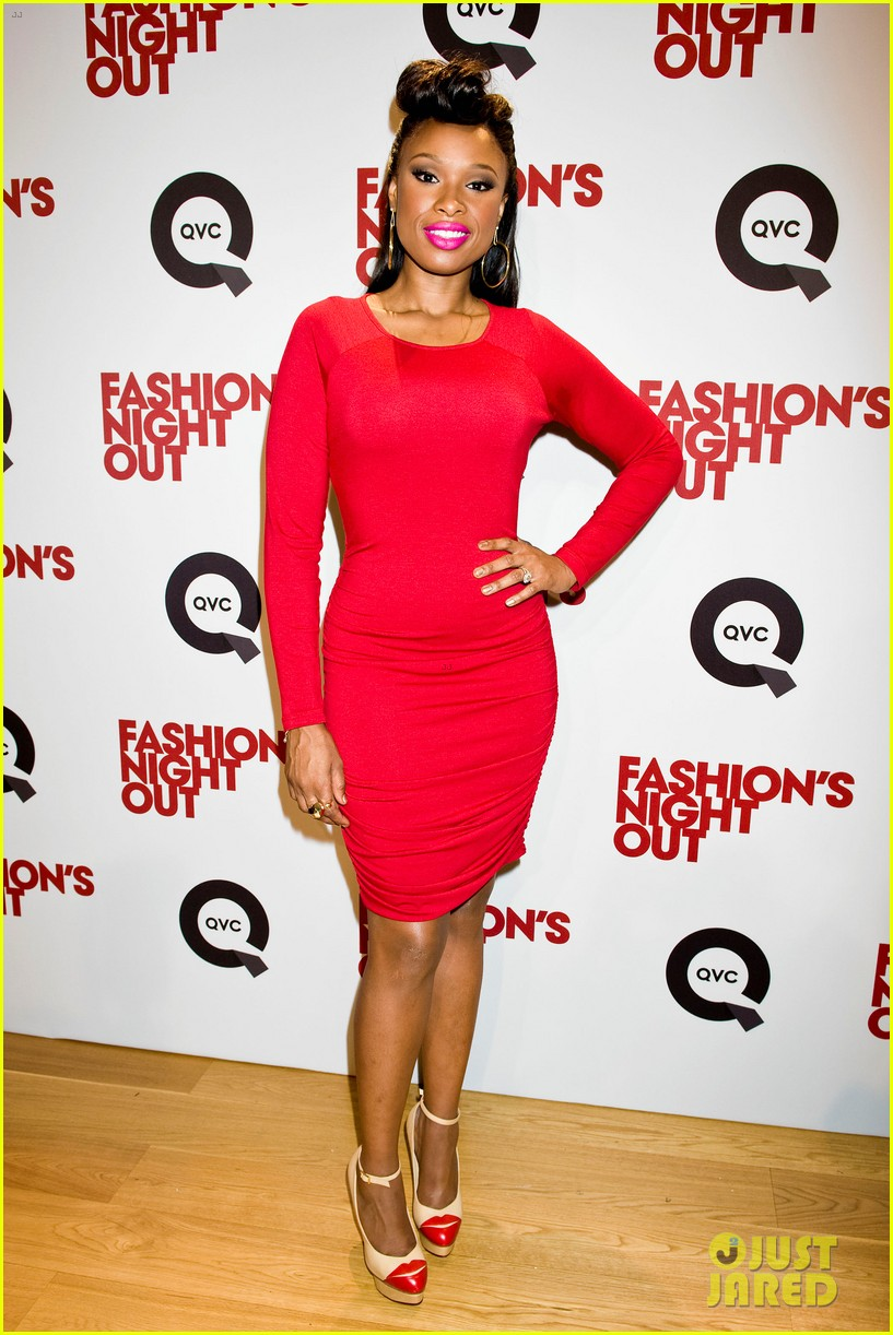 jennifer hudson nicole richie qvc for fashions night out 12
