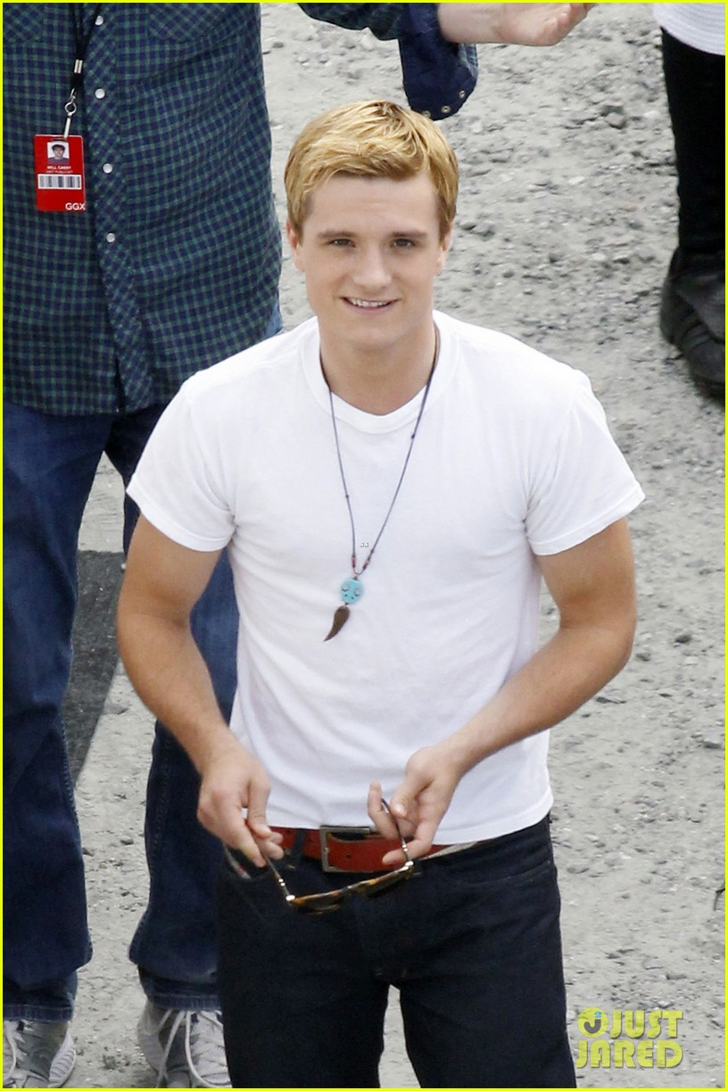 josh hutcherson first photos from catching fire set 04