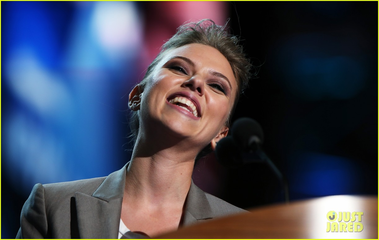 scarlett johansson speech democratic national convention 04