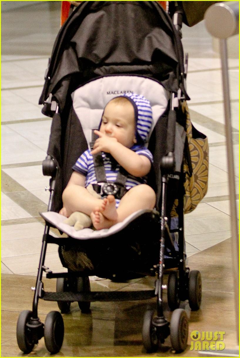 jones lax baby 042712880