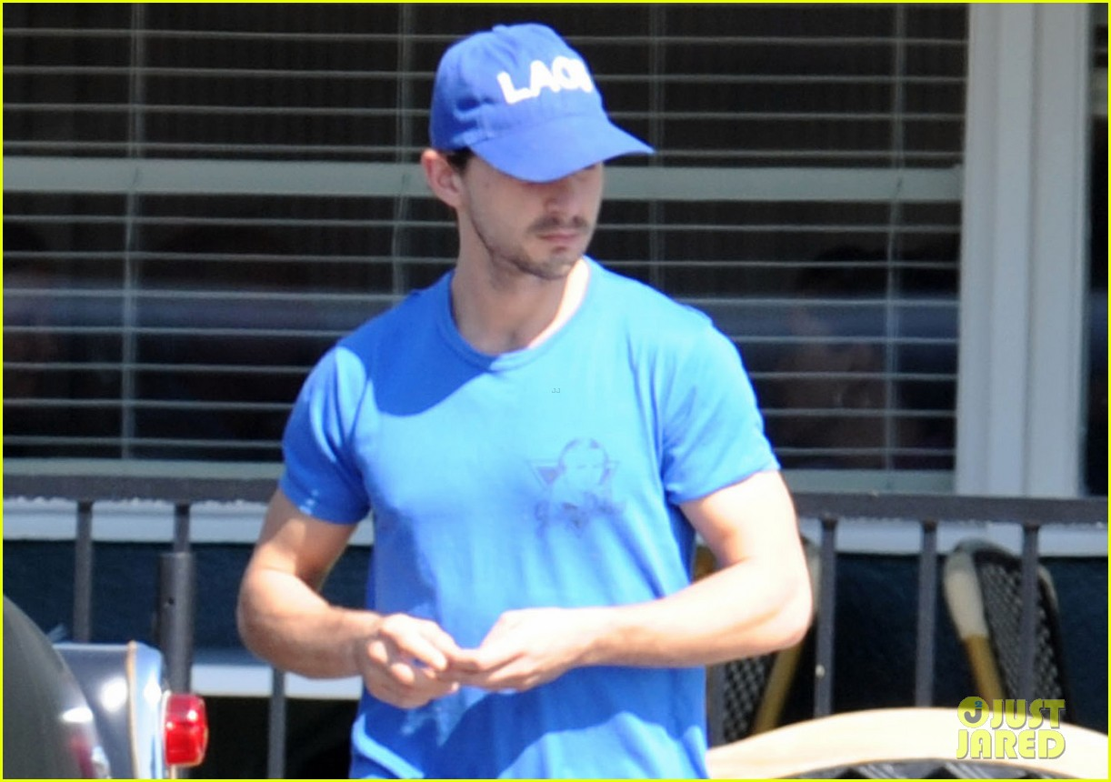 shia labeouf patys lunch 01