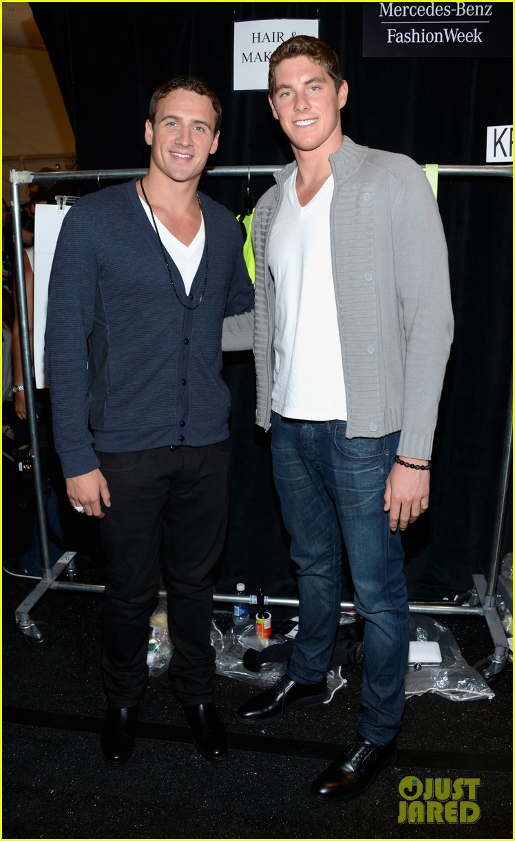 ryan lochte michael phelps reunite at nyfw event 01