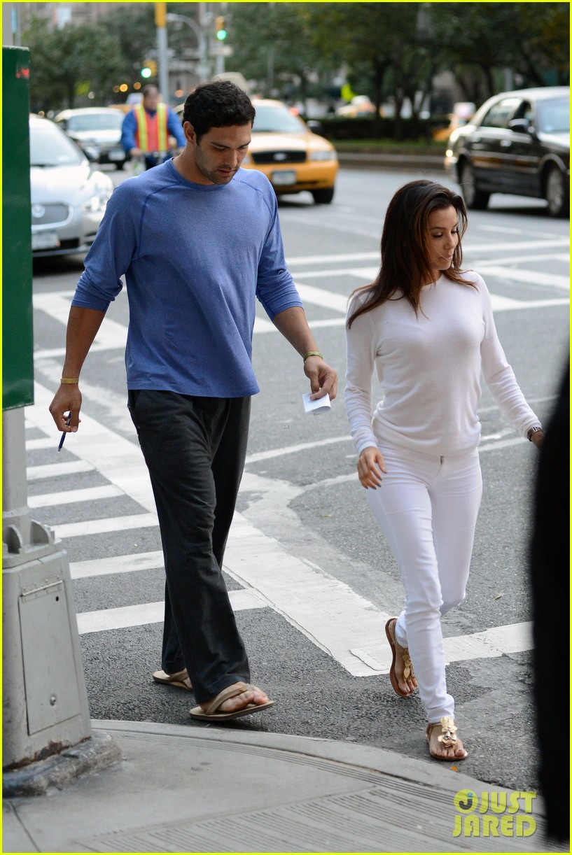 eva longoria mark sanchez holding hands 202727105