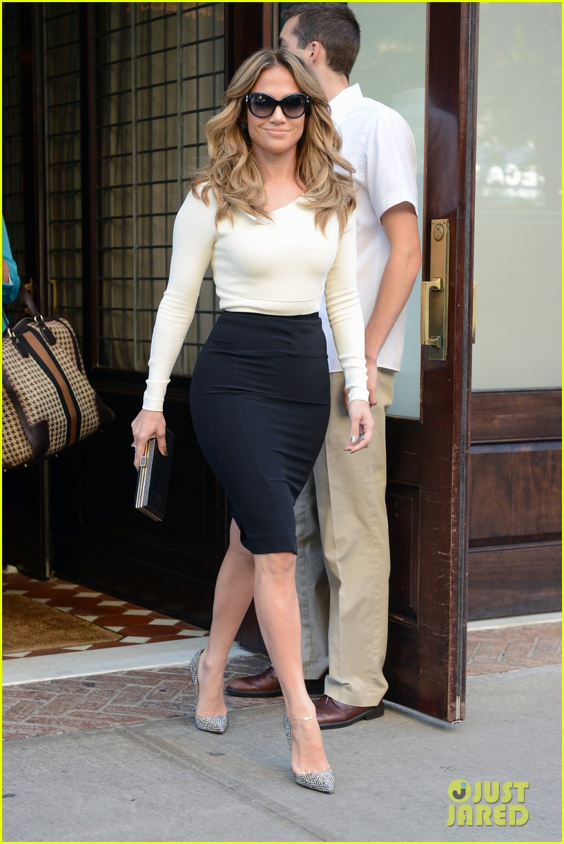 jennifer lopez date night casper smart 022720119