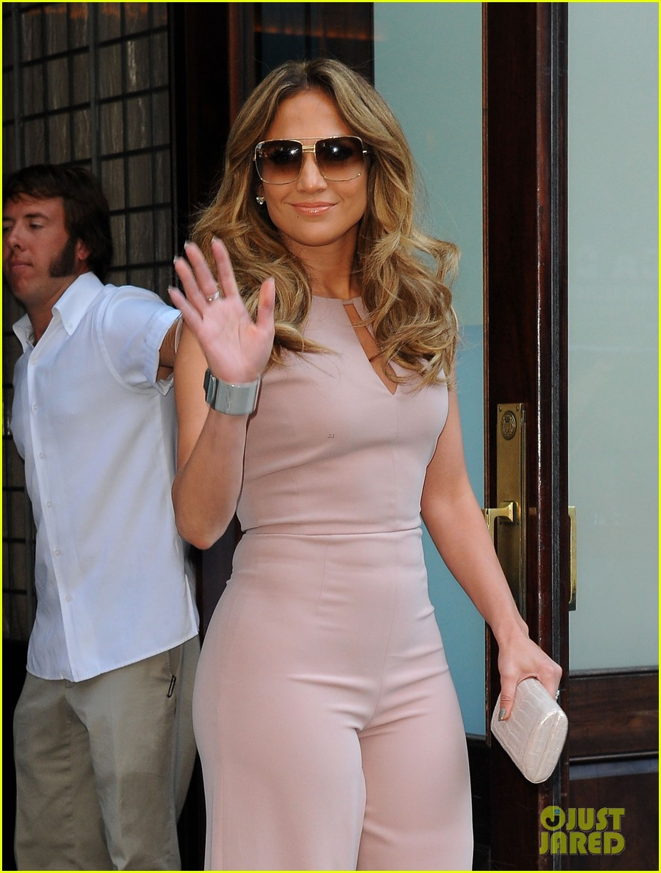 jennifer lopez joins nuvotv in owner creative positions 02