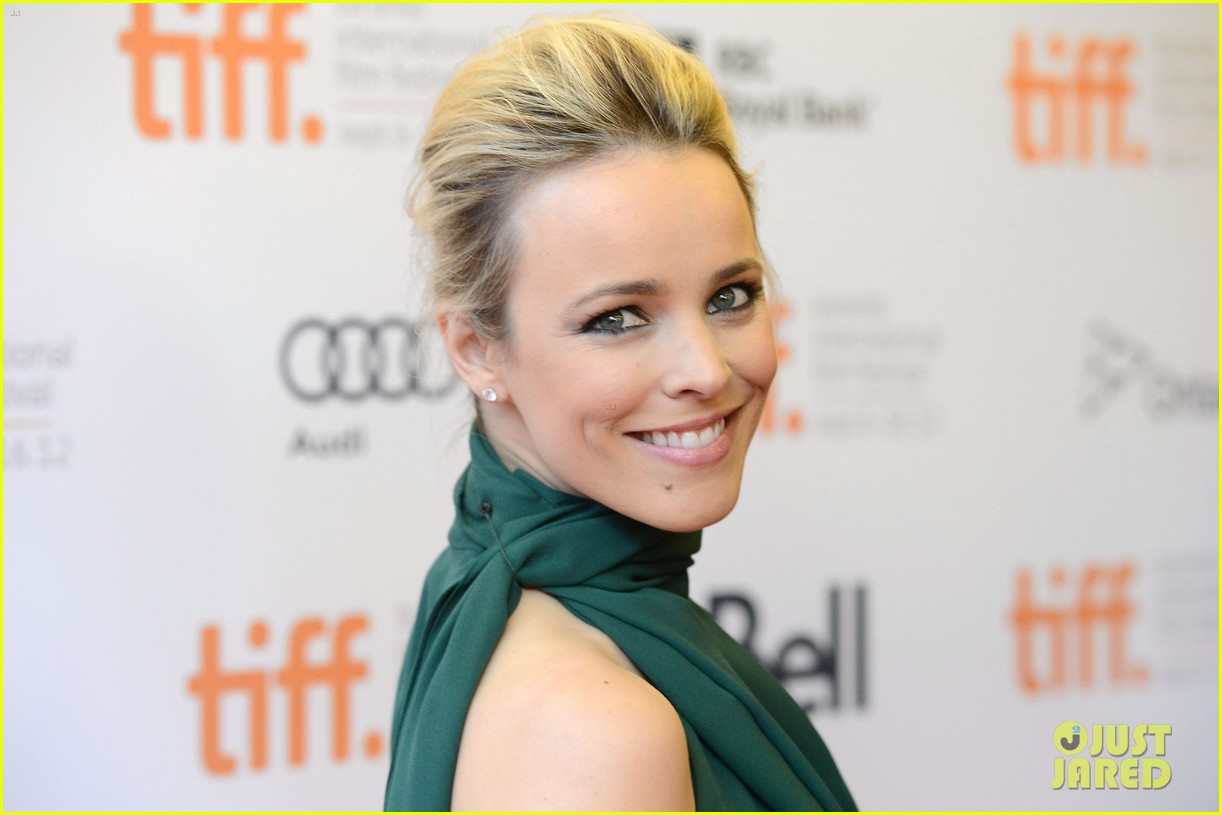 rachel mcadams to the wonder premiere 07