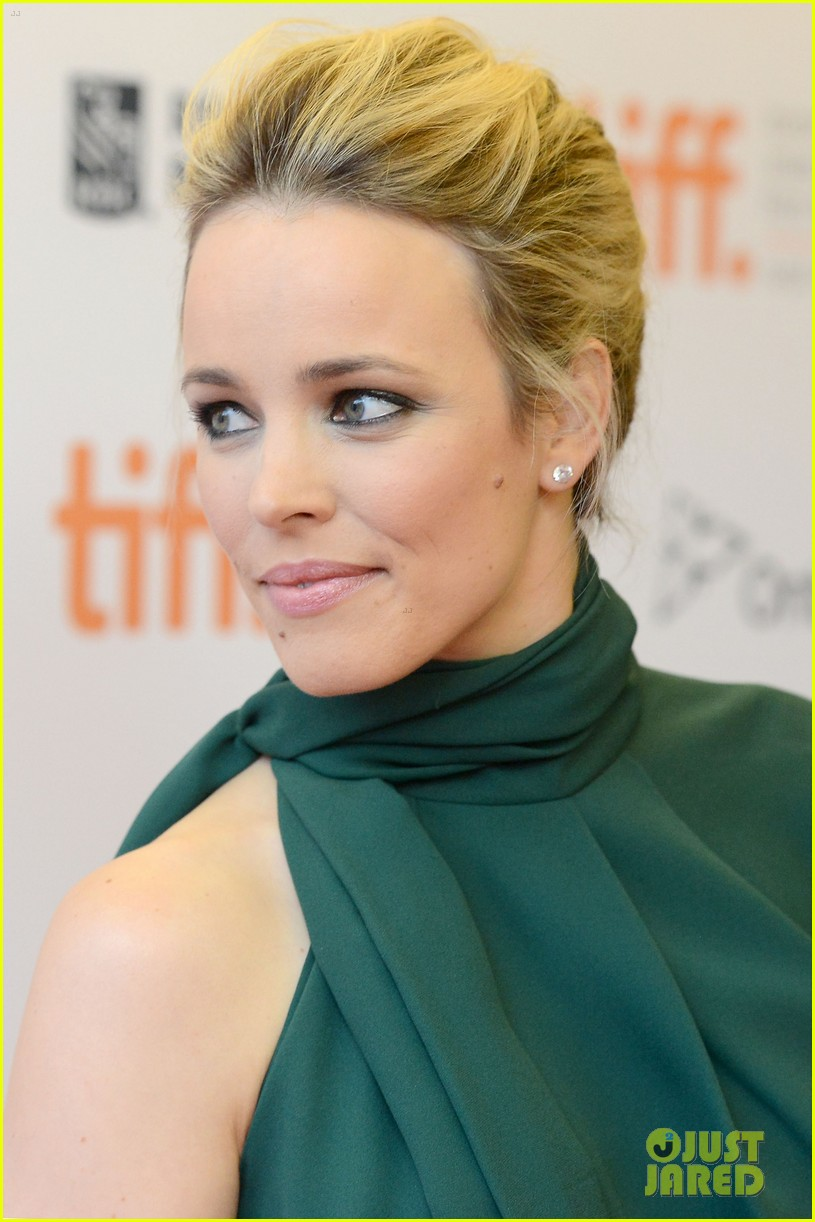 rachel mcadams to the wonder premiere 08