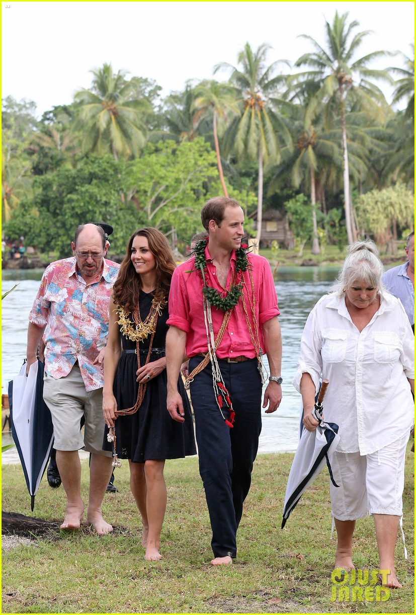 prince william duchess kate tavanipupu island visit 04