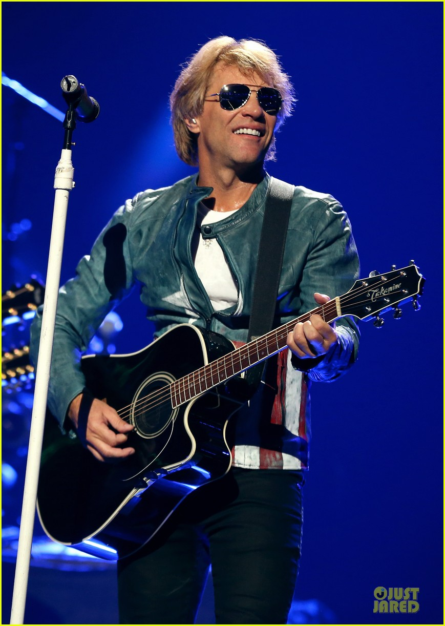 miley cyrus bon jovi rock iheartradio duo 412726087