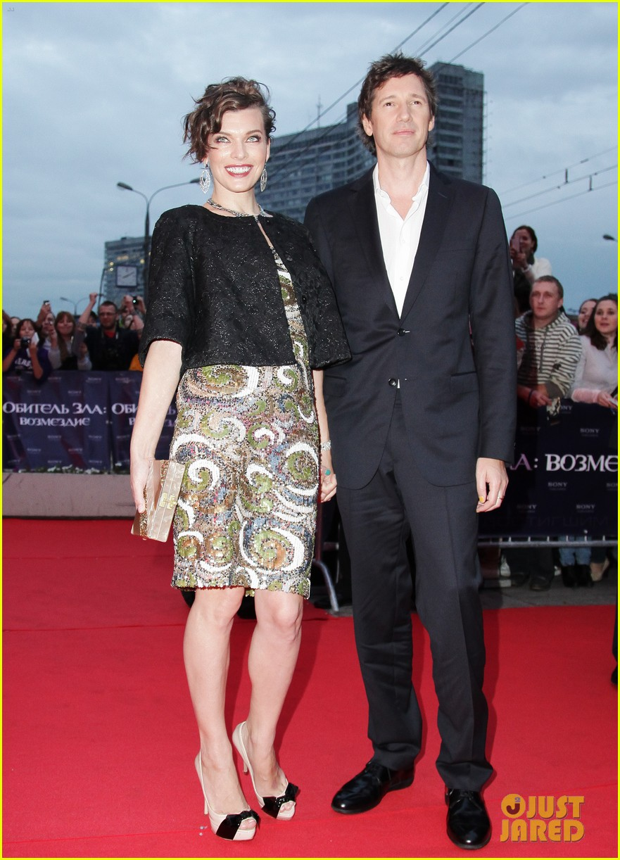 milla jovovich resident evil moscow premiere 04