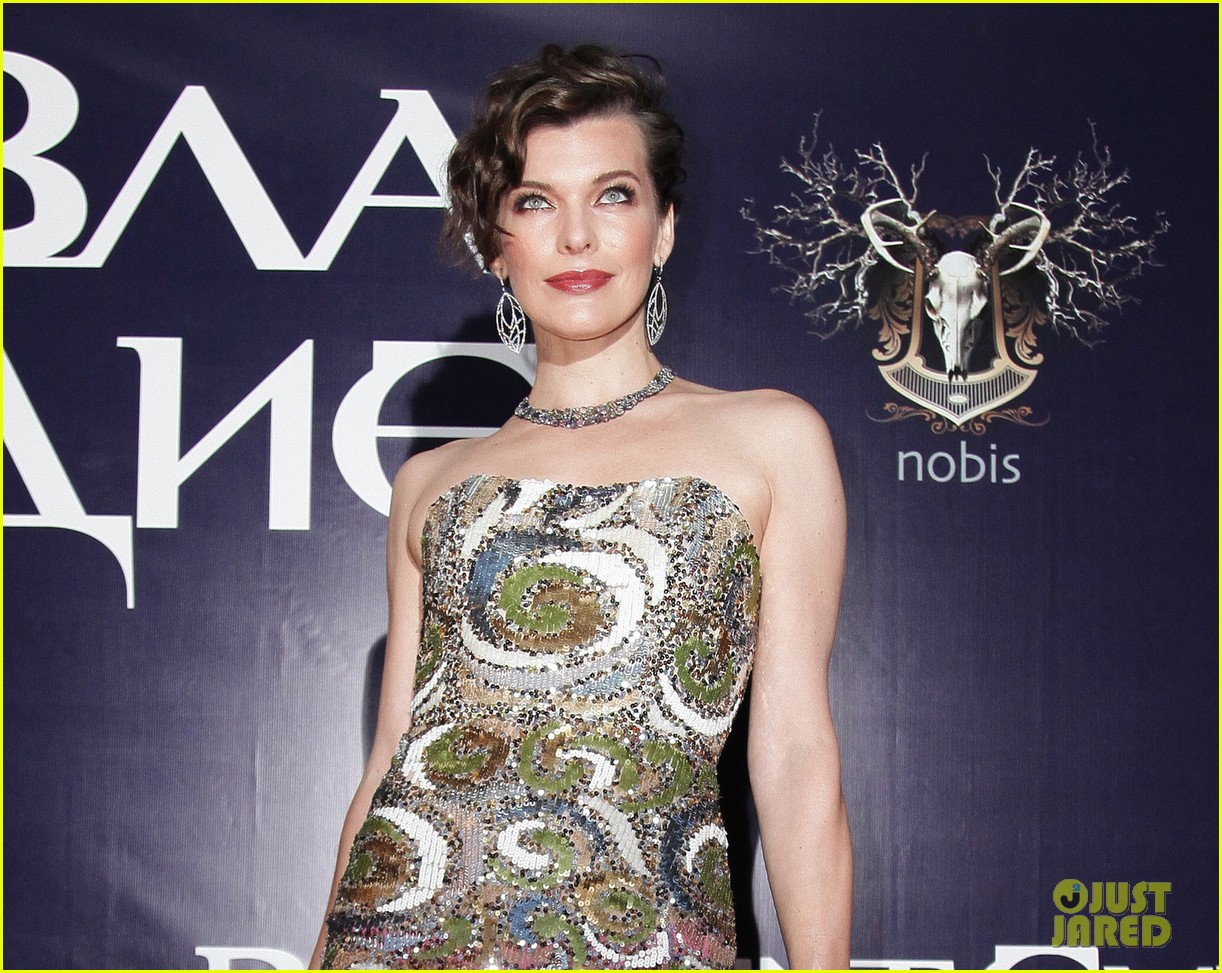 milla jovovich resident evil moscow premiere 052716341