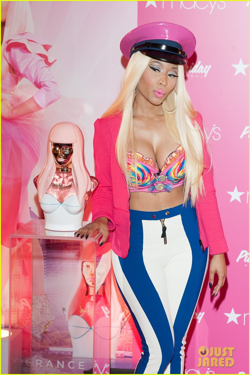 nicki minaj pink friday fragrance launch 132727909