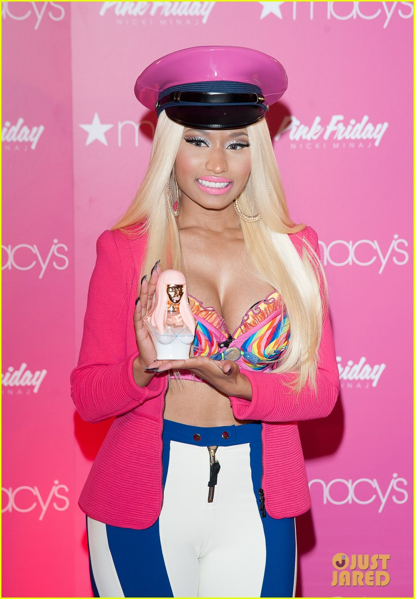 nicki minaj pink friday fragrance launch 17