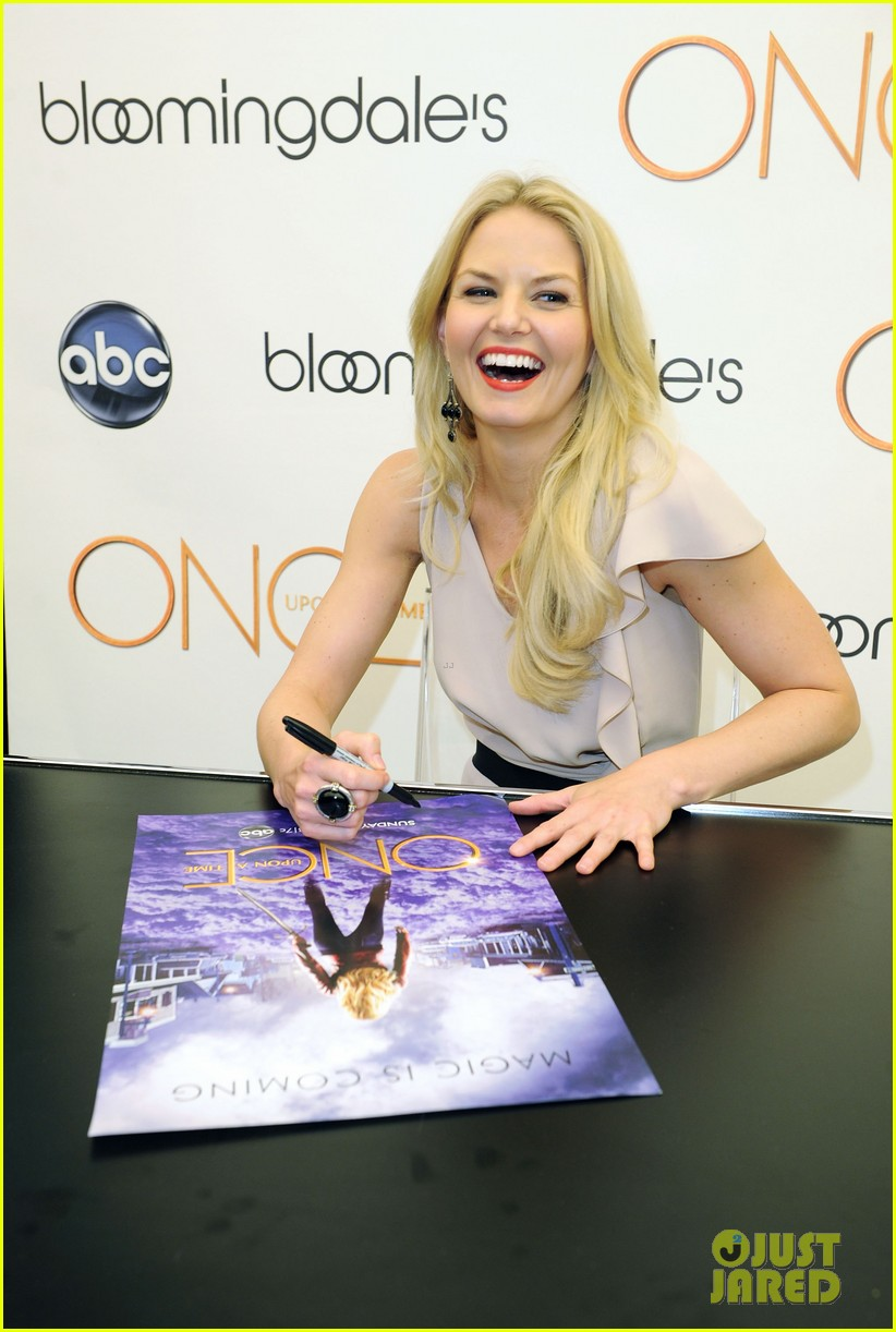 jennifer morrison bloomingdales once upon a time promo 02