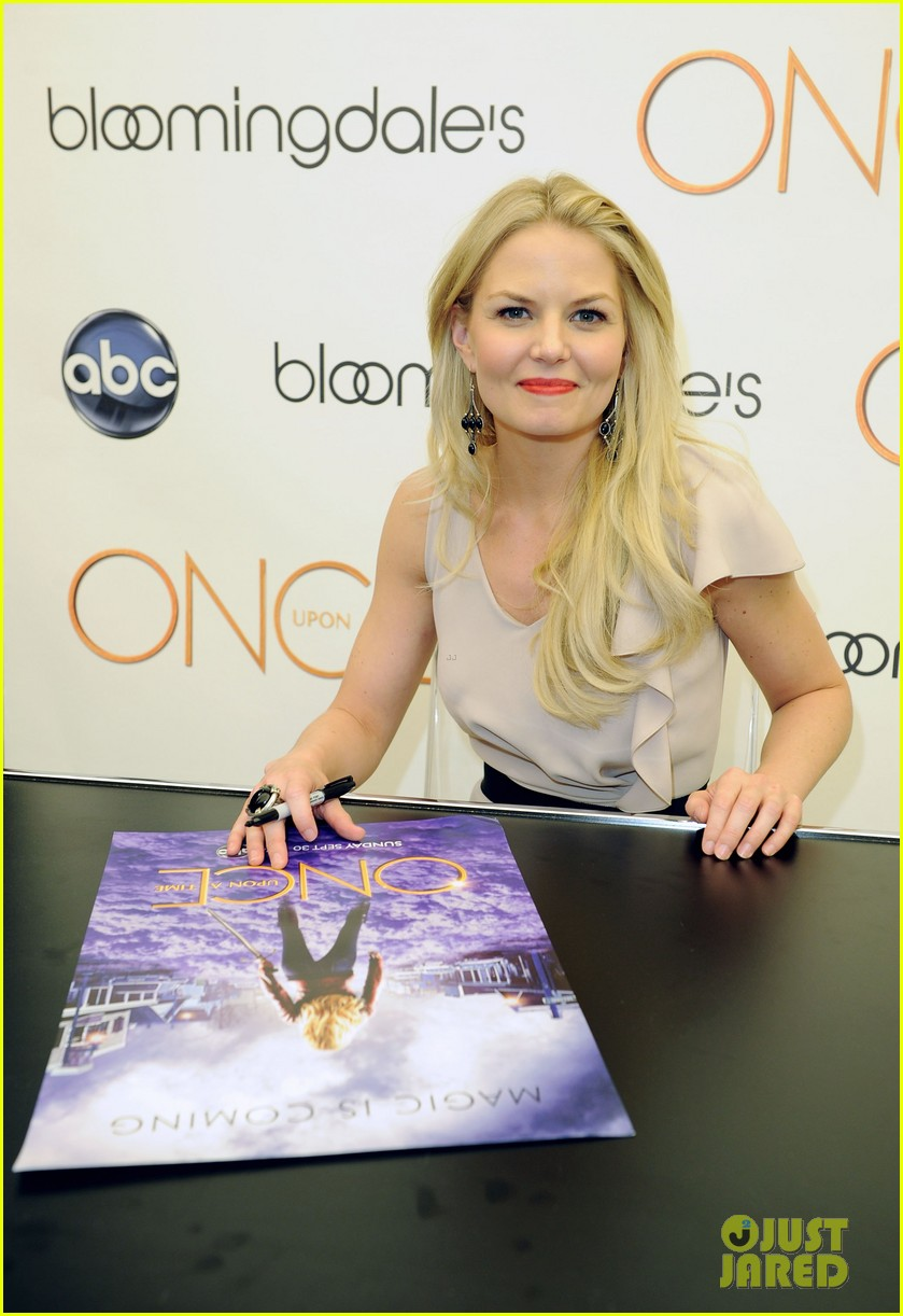 jennifer morrison bloomingdales once upon a time promo 10