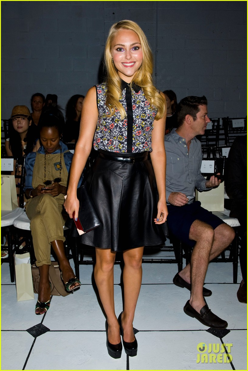 AnnaSophia Robb fashion
