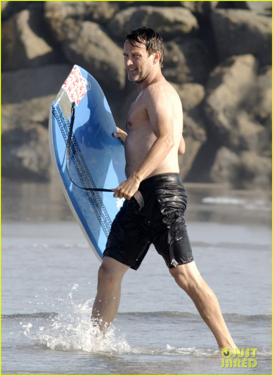 stephen moyer shirtless in venice beach 092730384