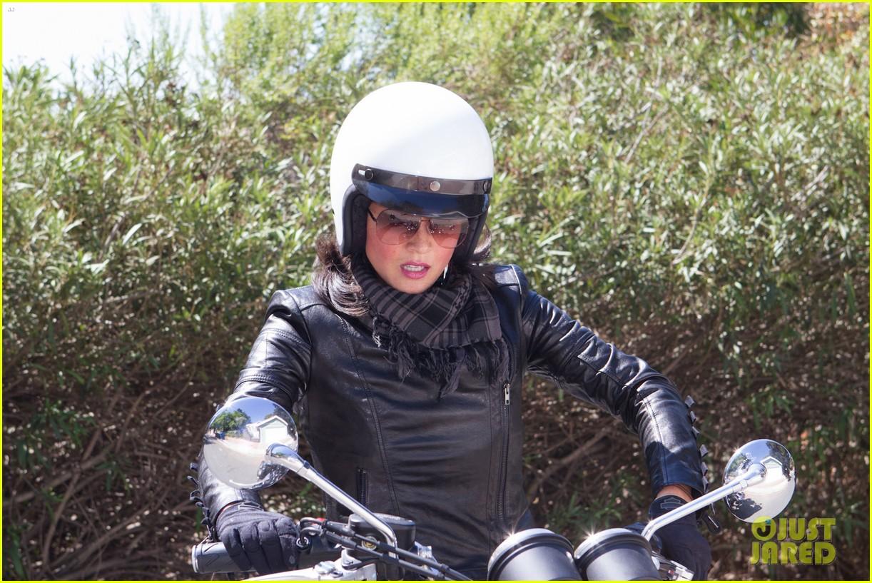 olivia munn biker babe 02