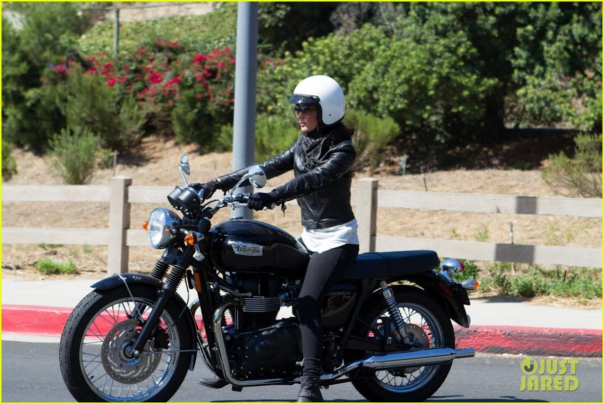 olivia munn biker babe 03