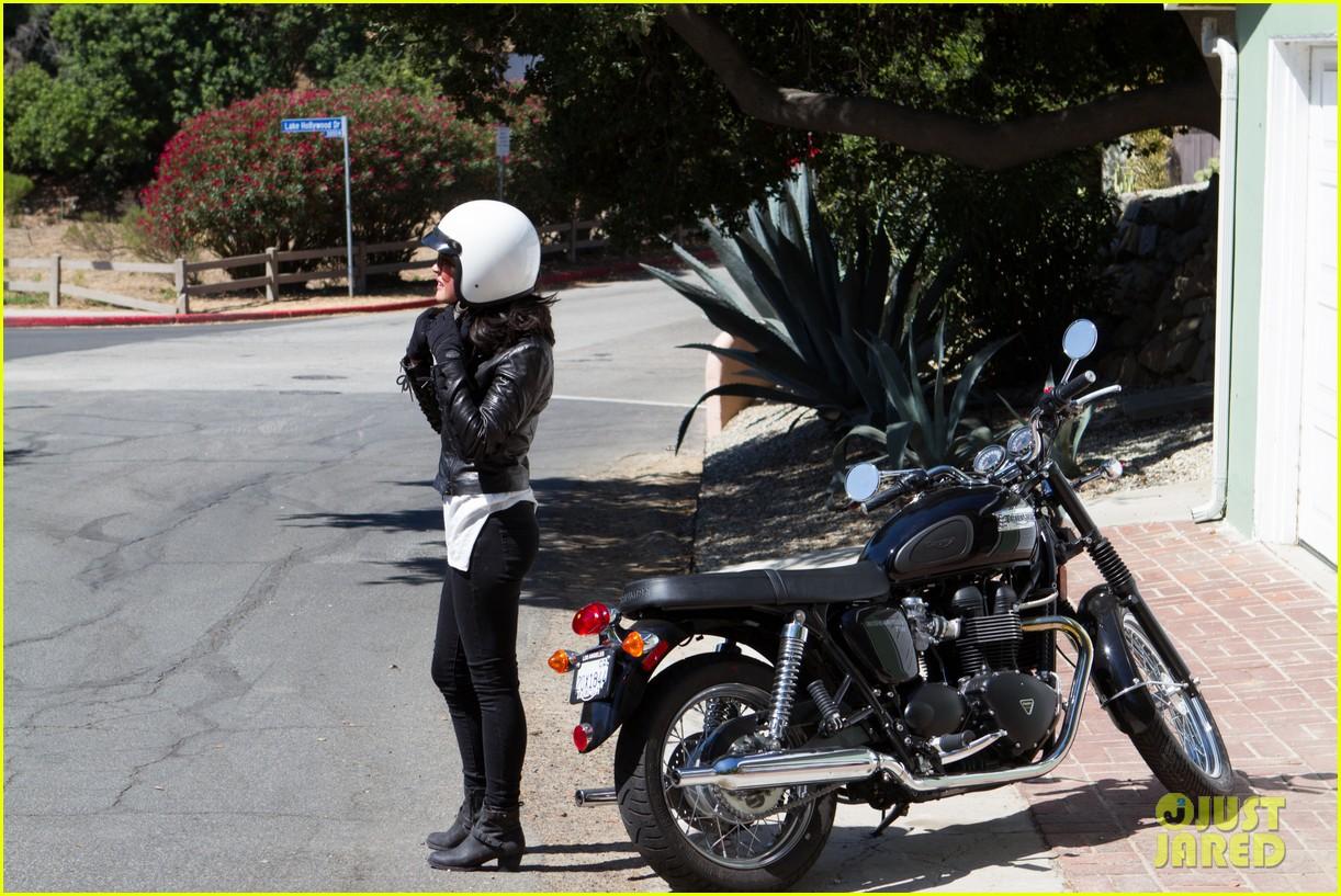 olivia munn biker babe 062717636