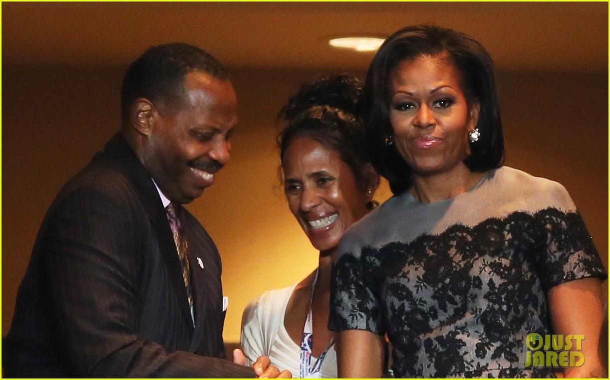 michelle obama reads top 10 list on david letterman 01