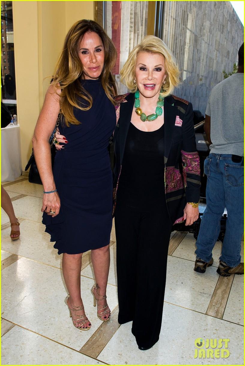 kelly osbourne hailee steinfeld chris benz fashion show 23
