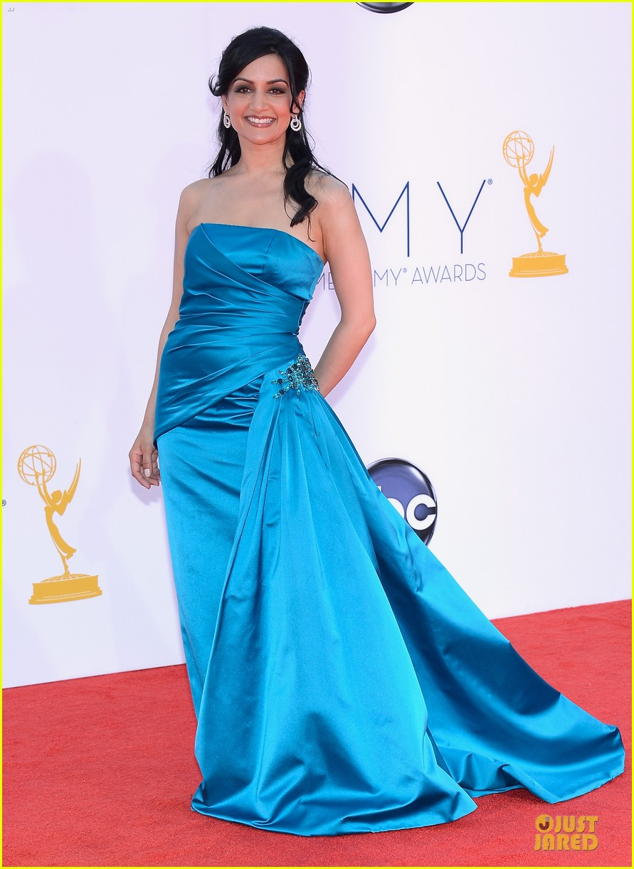 julianna margulies archie panjabi emmy awards 07