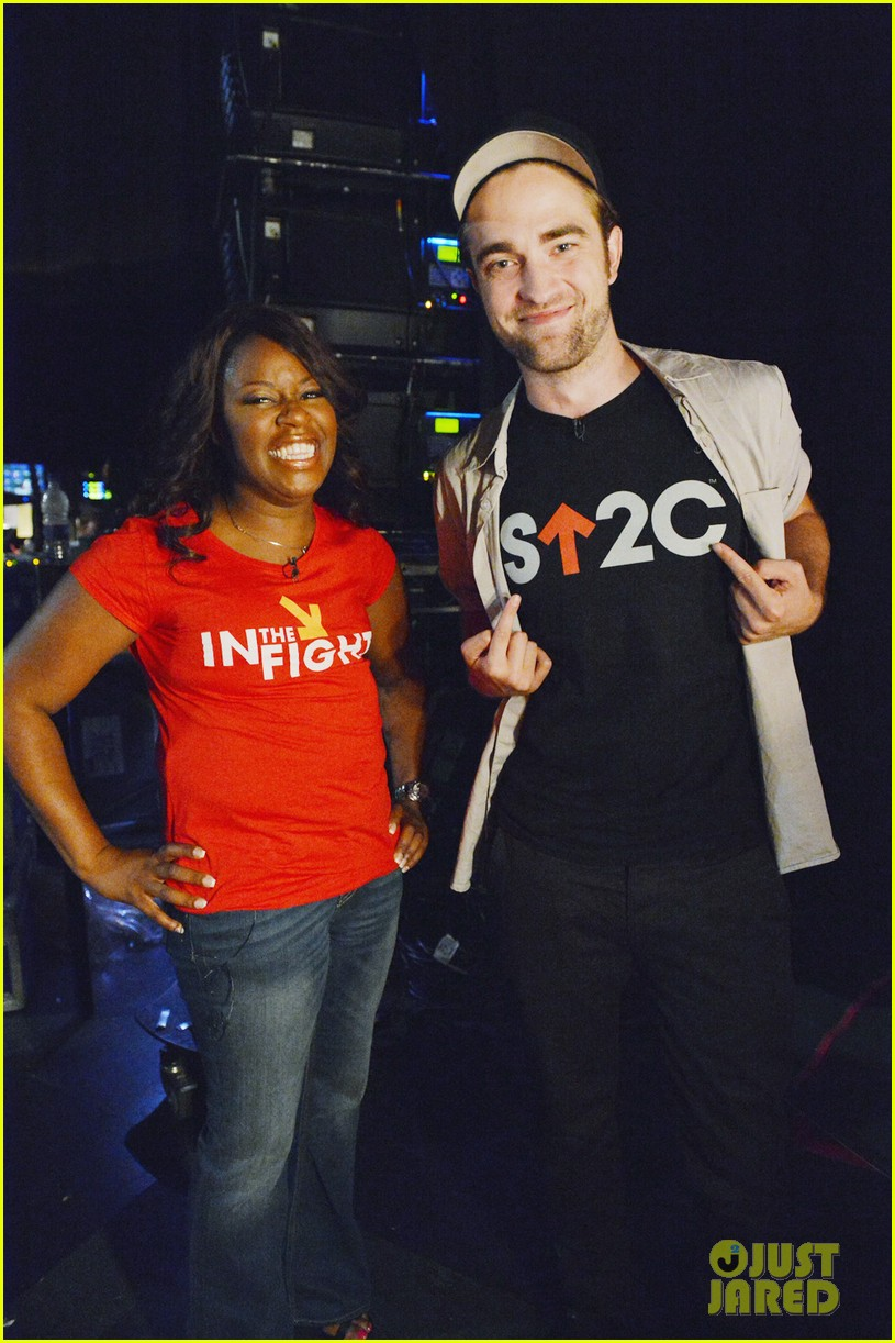 robert pattinson meets cancer survivor at su2c telecast 05