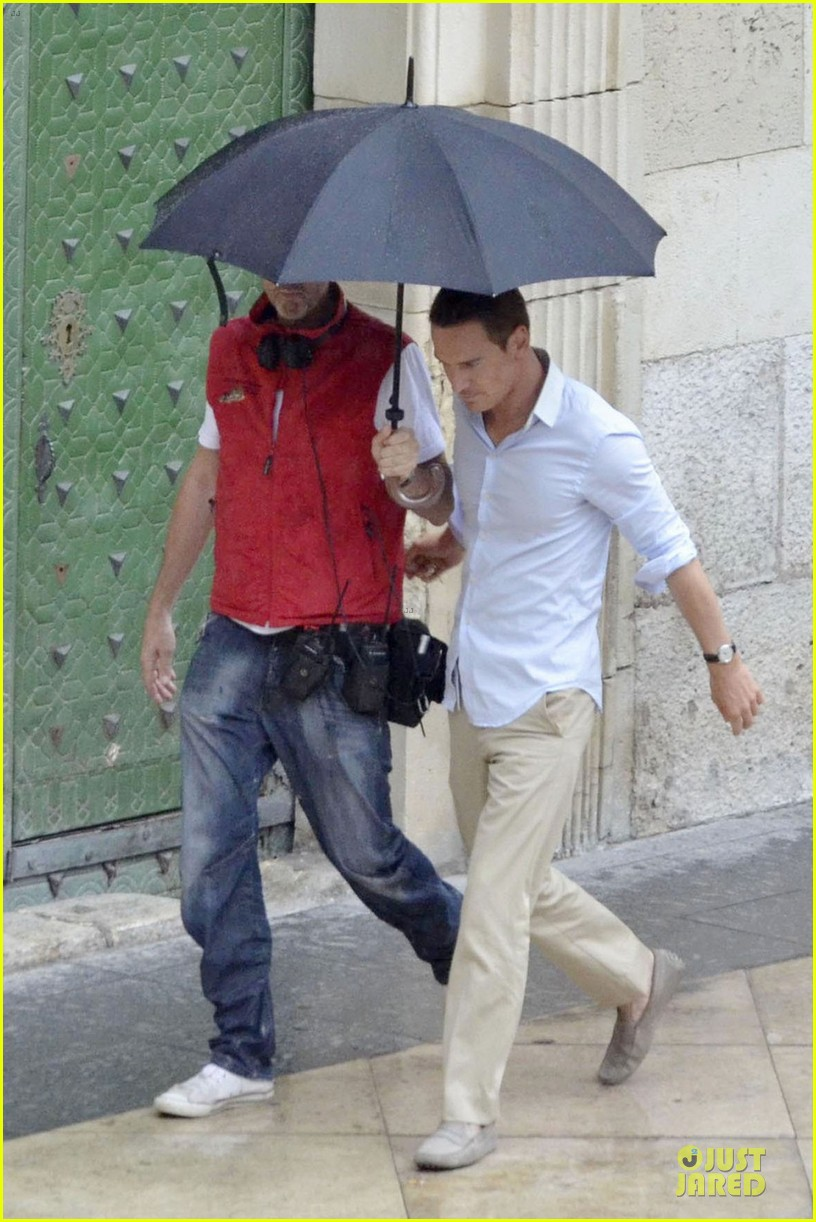 michael fassbender penelop cruz umbrellas counselor set 032730193