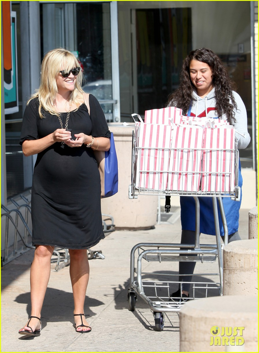 reese witherspoon ice cream shopping 11