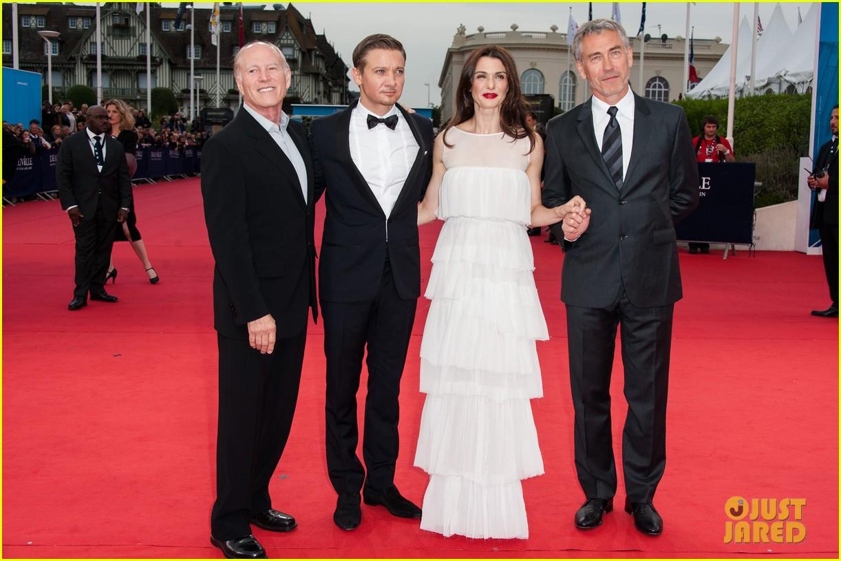 rachel weisz jeremy renner bourne legacy premiere deauville film festival 102712741