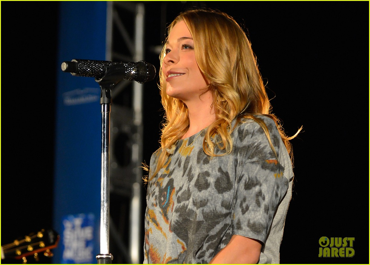leann rimes save the music performance 04